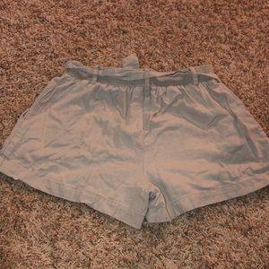 BCX Shorts - Khaki shorts with cloth belt